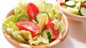 a-bowl-of-salad-1400839-m