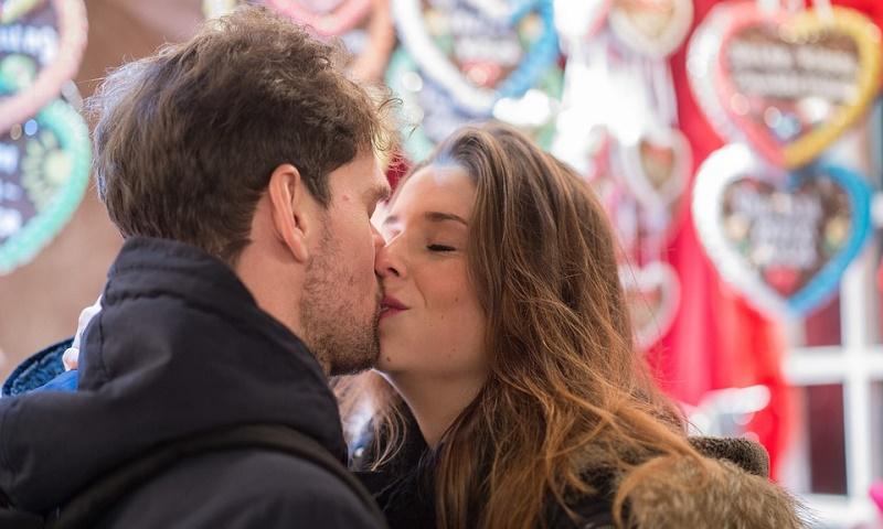 kiss-596091_960_720